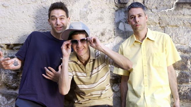 "Les Beastie Boys à Paris en mai 2004. De droite à gauche : Adam ""MCA"" Yauch, Adam ""Ad Rock"" Horovitz et Michael ""Mike D"" Diamond."