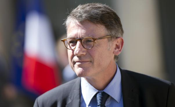 Vincent Peillon, ministre de l'Education nationale, à la sortie du Conseil des ministres, le 30 mai 2012 à Paris.