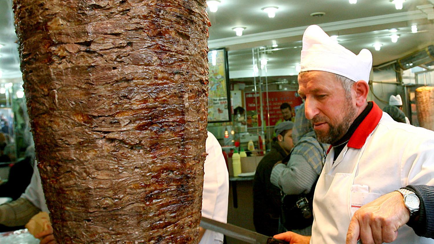 Video le plus gros kebab du monde p se 1198 kg for Cuisinier kebab