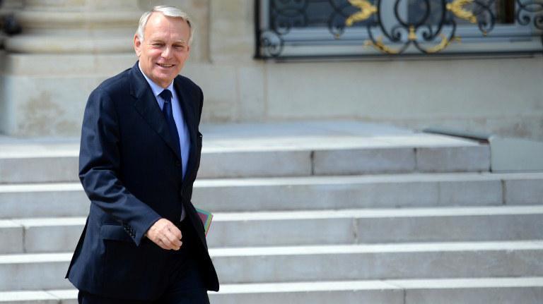quatre nouveaux ministres entrent au gouvernement  deux changent de portefeuille