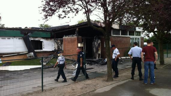 Selon les pompiers, l'école maternelle Voltaire située à Amiens-Nord ne pourra pas accueillir d'enfants en septembre.