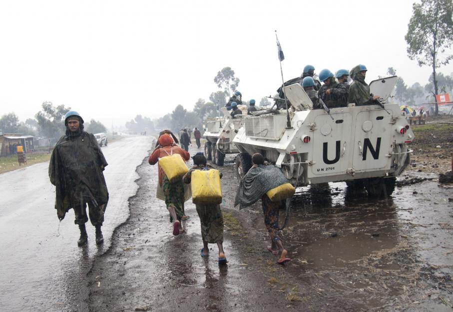 Ils espèrent la protection de la Mission des Nations unies pour la stabilisation en RDC (Monusco). Elle a été déployée en 1999, d'abord pour observer un cessez-le-feu dans cette région secouée par les conséquences du génocide rwandais. En 1994, près de 1,2 millions de Hutus rwandais, dont certains ont participé aux massacres des Tutsis, ont franchi la frontière pour se réfugier au Nord-Kivu et Sud-Kivu.