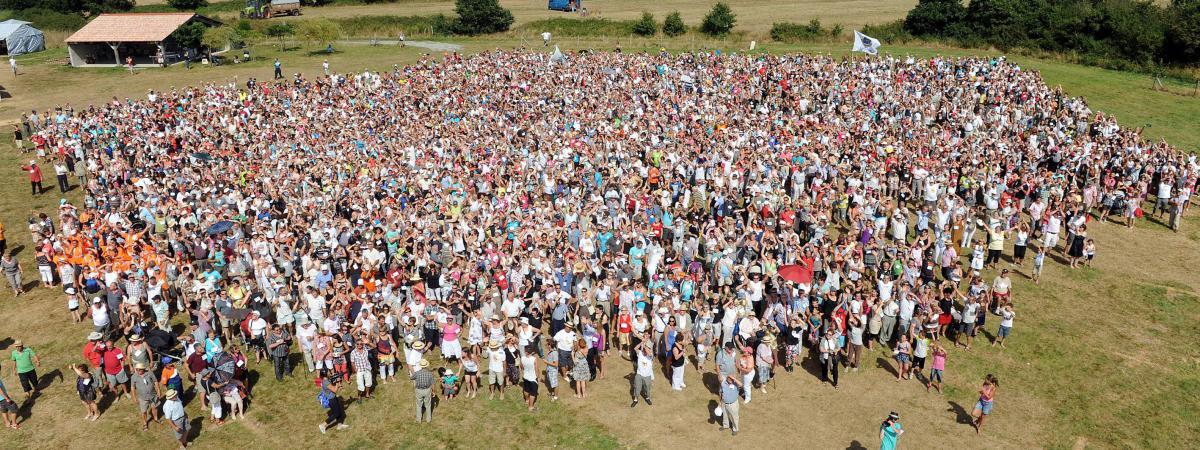 Vend e une cousinade r unit 5 000 convives - Le nom de famille le plus porte au monde ...