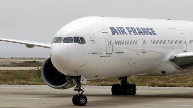 Un avion d'Air France sur le tarmac de l'aéroport international de Beyrouth, le 20 avril 2010.