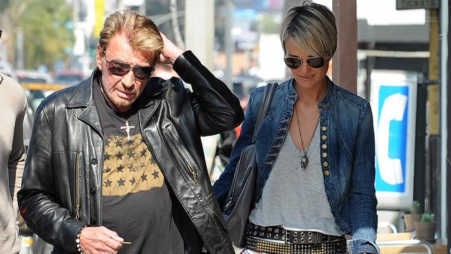 Johnny Hallyday et sa femme, Laeticia, à Los Angeles (Californie), le 14 mai 2010.