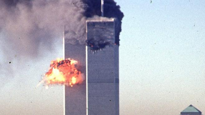 Impact du second avion dans les Twin Towers à New York (Etats-Unis) lors des attentats du 11 septembre 2001.