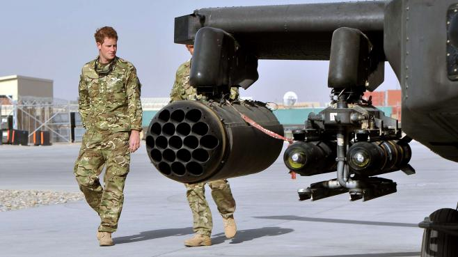 Le Prince Harry sur la base militaire de camp Bastion en Afghanistan, le 7 septembre 2012.