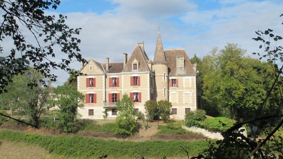 Le château de Martel, où onze membres de la famille Védrines ont vécu reclus des mois durant, à Monflanquin,dans le Lot-et-Garonne.