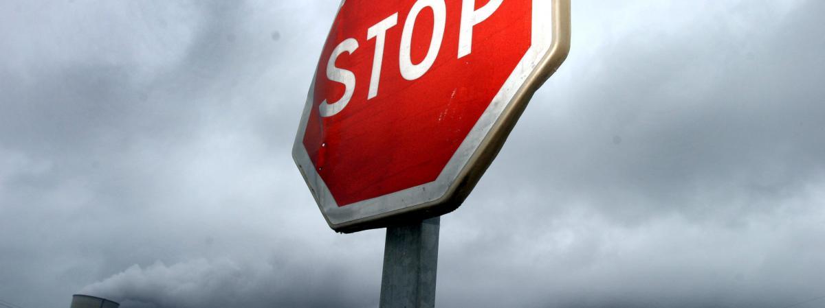 Le panneau stop une esp ce rare paris - Combien de panneau stop dans paris ...