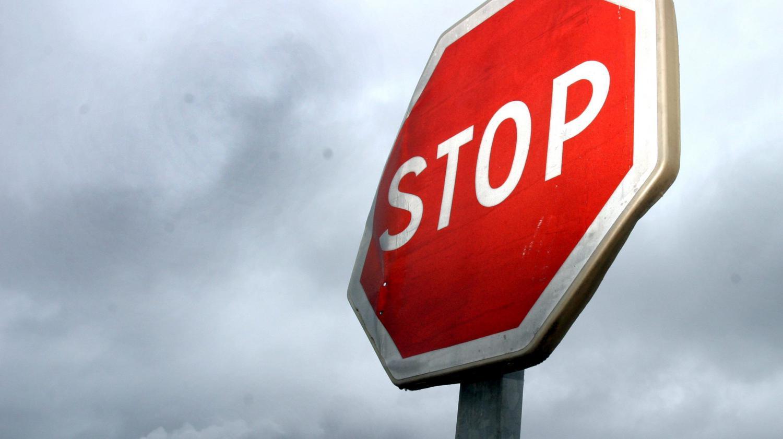 le panneau stop une esp ce rare paris