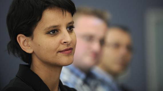 La ministre des Droits de femmes et porte-parole du gouvernement, Najat Vallaud-Belkacem, le 15 octobre 2012 à Fleury-les-Aubrais (Loiret).