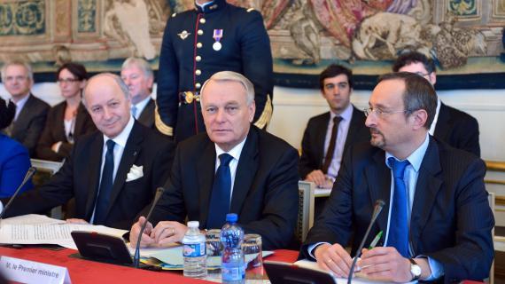 Le Premier ministre Jean-Marc Ayrault, a présidé un séminaire gouvernemental sur la compétitivité, mardi 6 novembre à Matignon.