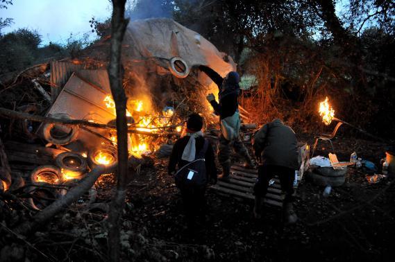 Les affrontements entre anti-aéroport et forces de l'ordre prennent des allures de guérilla dans les bocages nantais, le 25 octobre 2012.