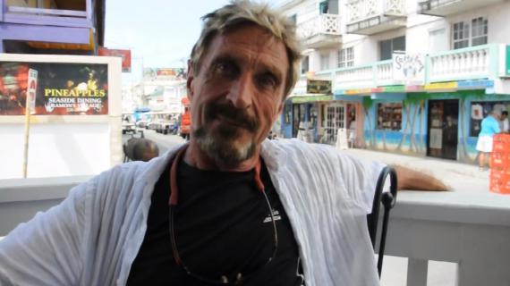John McAfee, le fondateur de l'antivirus éponyme, apparaît dans une interview vidéo réalisée en mai 2012 (capture d'écran).