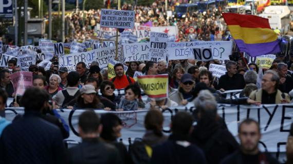 Manifestation à Madrid (Espagne) contre l'austérité, le 27 octobre 2012.
