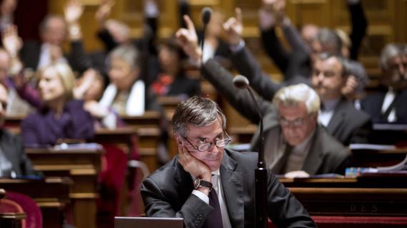 Jérôme Cahuzac, le ministre délégué au Budget, assiste aux débats sur le budget de la Sécu 2013, le 13 novembre 2012, au Sénat.