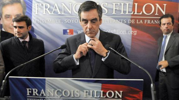 L'ancien Premier ministre François Fillon donne une conférence de presse à Paris, le 27 novembre 2012.