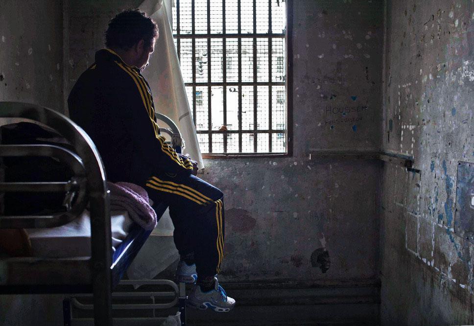 Marseille dans l 39 enfer de la prison des baumettes for Prisonniers du miroir