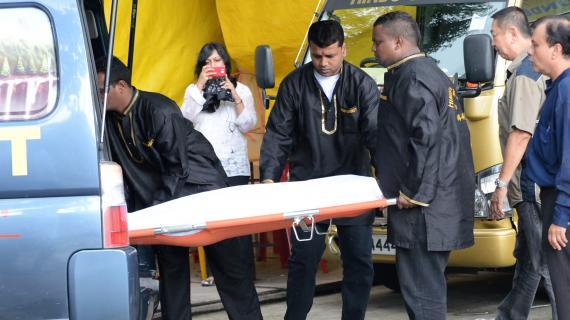 Le corps de l'étudiante indienne de 23 ans, victime d'un viol collectif à New delhi le 16 décembre, morte de suites de ses blessures le 29 décembre 2012à Singapour.