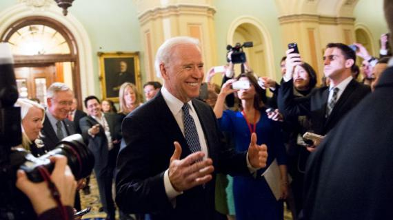 Le vice-président américainJoe Biden au Sénat, à Washington (Etats-Unis), le 31 décembre 2012.