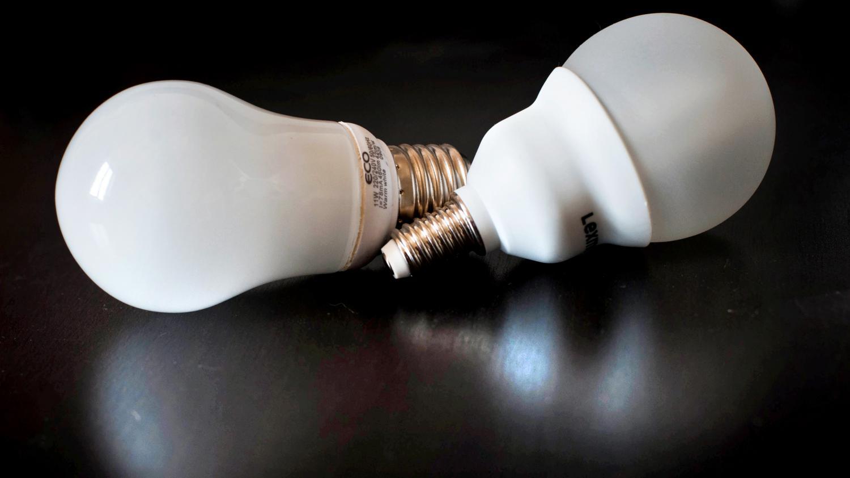 fin des halog nes quelles ampoules choisir pour les remplacer. Black Bedroom Furniture Sets. Home Design Ideas