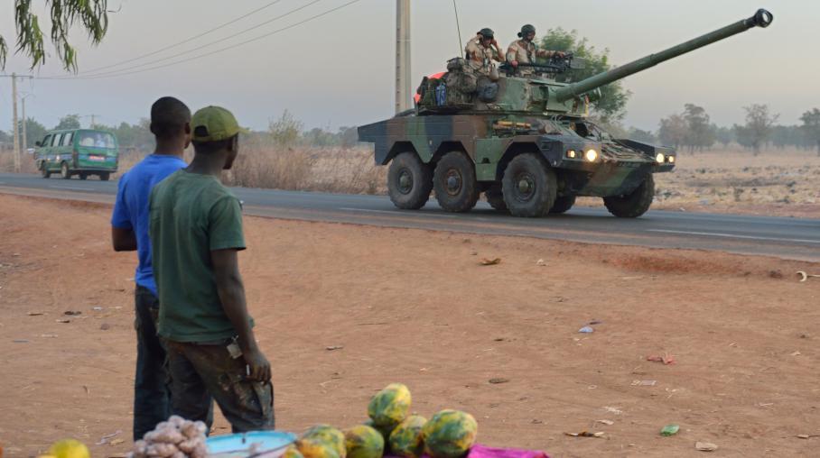Un officier de gendarmerie franais pris pour cible bamako - Grille indiciaire officier de gendarmerie ...