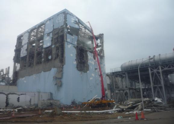 des photos in dites de la centrale de fukushima juste apr s l 39 accident. Black Bedroom Furniture Sets. Home Design Ideas