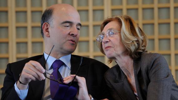 Le ministre de l'Economie, Pierre Moscovici, et la ministre du Commerce extérieur, Nicole Bricq, lors d'une conférence de presse à paris le 9 janvier 2013.