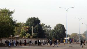 """""""Bérets rouges"""" et """"Bérets verts"""" maliens s'affrontent dans Bamako"""