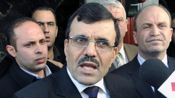Ali Larayedh, alors ministre de l'Intérieur tunisien,répond à des journalistes, àSidi Bou Saïd (Tunisie), le 13 janvier 2013.