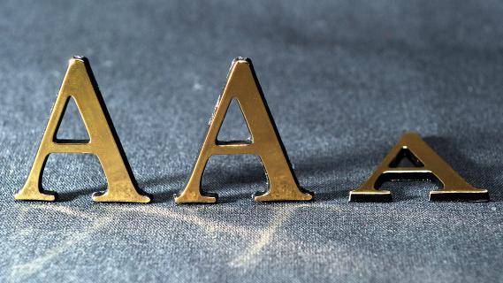 Après la France, Moody's a dégradé la note de la Grande-Bretagne, qui passe de Aaa à Aa1, le 22 février 2013.