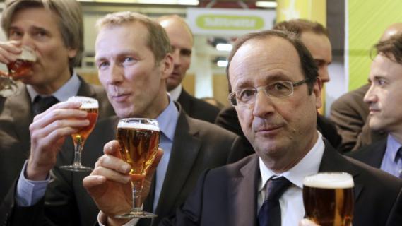 François Hollande au Salon de l'agriculture, le samedi 23 février 2013 avec le ministre de l'Agro-alimentaire, Guillaume Garot, à Paris.