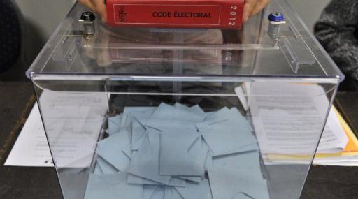 Le gouvernement refuse la fermeture de tous les bureaux de vote à