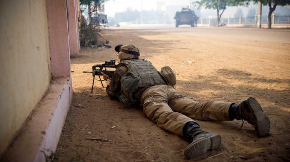 Un soldat français lors de la prise de Gao (Mali), le 21 février 2013.