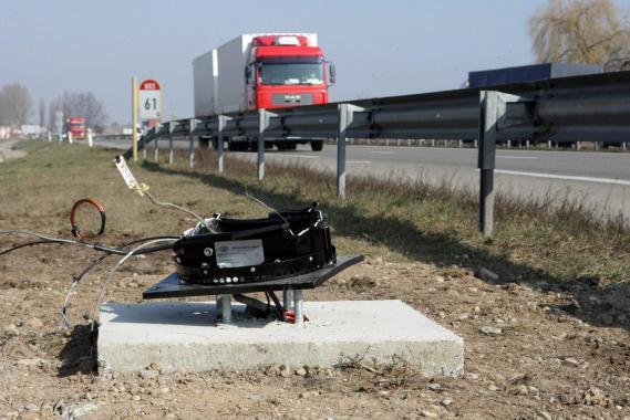 Un radar vandalisé à Ostheim (Haut-Rhin), le 4 mars 2013.
