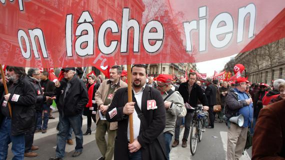 Les manifestants contre l'accord sur l'emploi, à Paris, le 5 mars 2013.