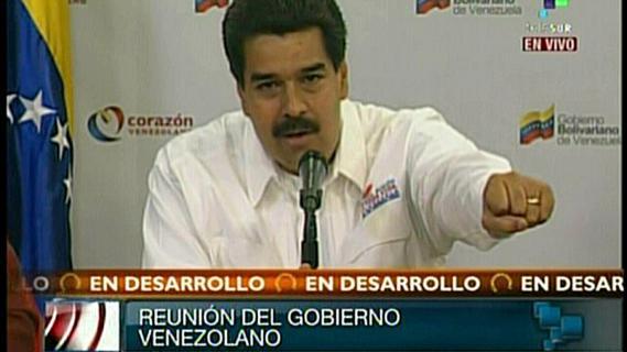 Le vice-président vénézuélien Nicolas Maduro lors d'un Conseil des ministres extraordinaire, retransmis à la télévision nationale, le 5 mars 2013.