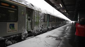 Pourquoi la neige surprend-elle encore la SNCF ?