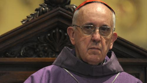 L'Argentin,Jorge,Mario,Bergoglio,succède,Benoît,