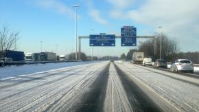 Verglas : les Franciliens doivent éviter de se déplacer en voiture