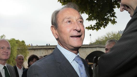 Le maire de Paris, Bertrand Delanöe, sur les rives de la Seine (Paris) le 17 septembre 2012.