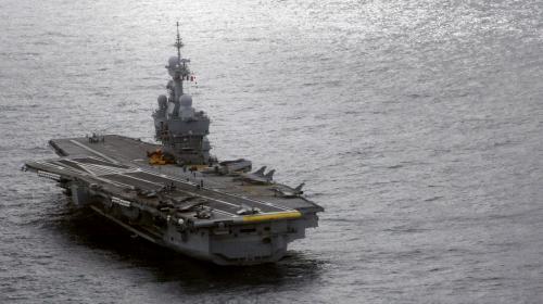 Défense : le porte-avions Charles-de-Gaulle part lutter contre Daech