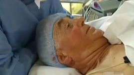 """VIDEO. """"Cela permet de déstresser le patient et de diminuer les anesthésiants"""" : l'hypnose arrive en bloc à l'hôpital"""