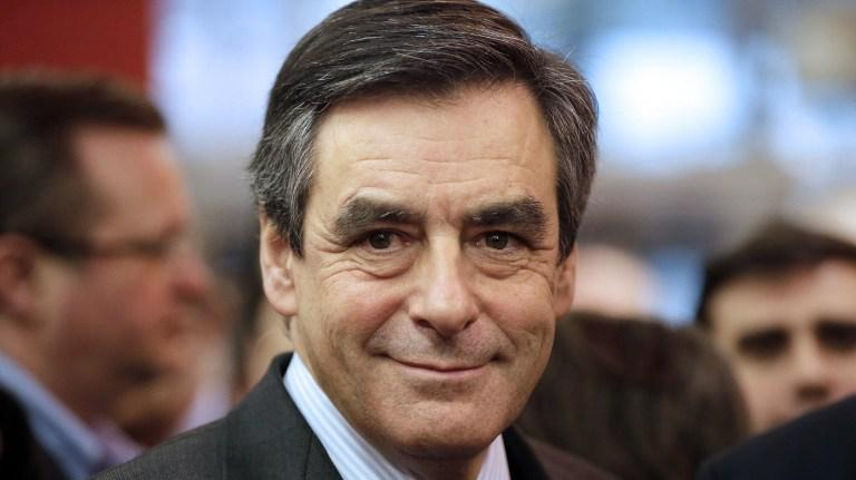 direct fran ois fillon est l 39 invit du journal de 20 heures de france 2. Black Bedroom Furniture Sets. Home Design Ideas