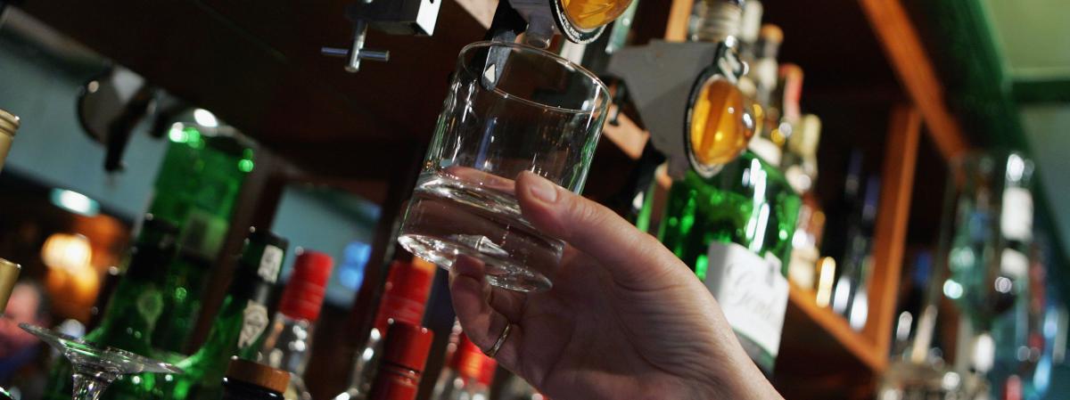 onze grammes d 39 alcool par litre de sang c 39 est plus de huit bouteilles de vin. Black Bedroom Furniture Sets. Home Design Ideas