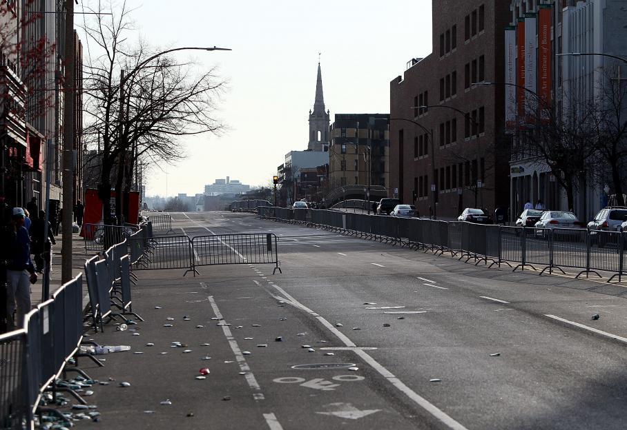 La rue de Beacon Street, proche du parcours du marathon, a été évacuée pour permettre aux secours de circuler.