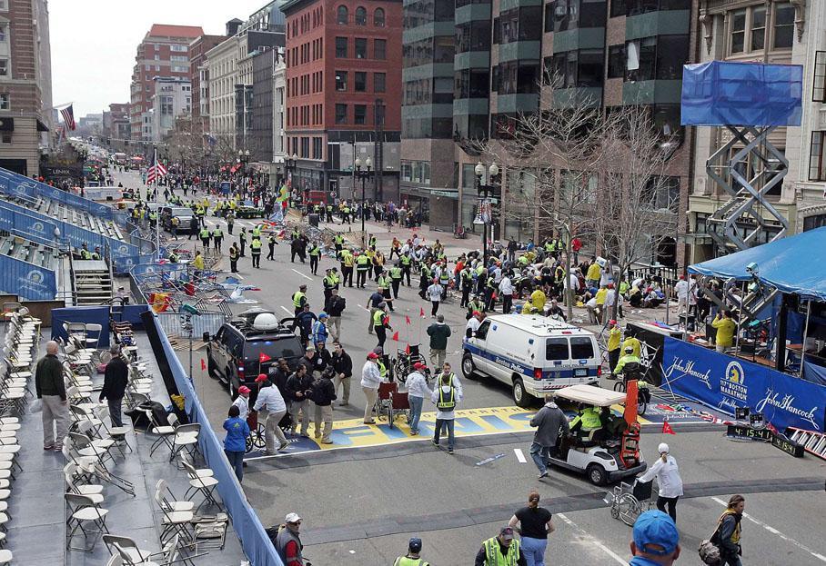 La ligne d'arrivée du marathon après que les deux explosions ont retenti.