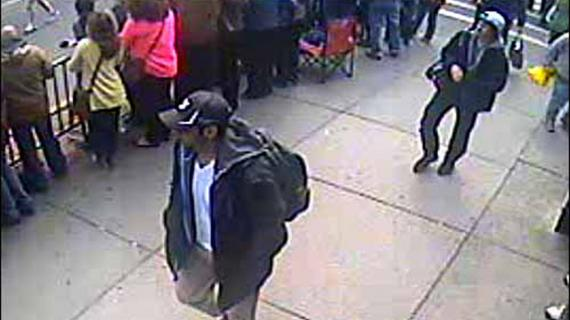 L'une des photos diffusées par le FBI, le 18 avril 2013, montrant les suspects des attentats de Boston.