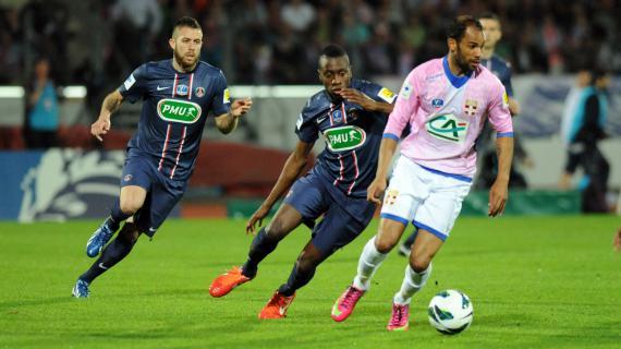 L'attaquant d'Evian-Thonon, SaberKhlifa a marqué le but de l'égalisation contre le PSG, le 17 avril 2013, au Parc des Sports d'Annecy.