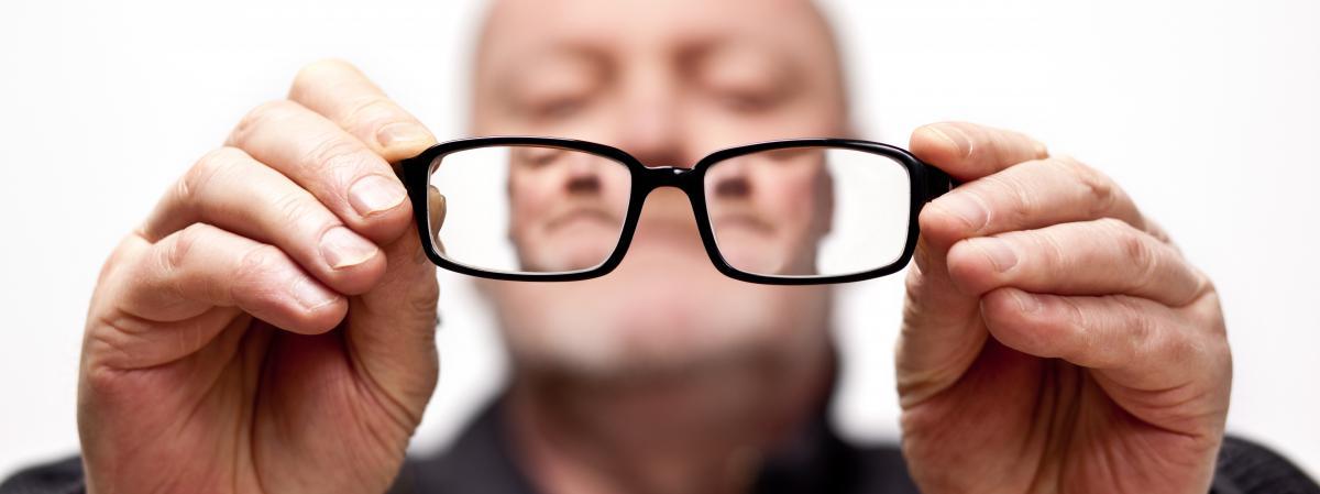 183b511afb Pourquoi les Français payent leurs lunettes plus cher que les autres